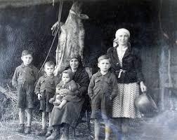 familia-durante-matanza-porco